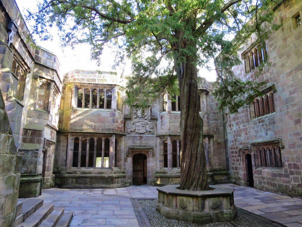 skipton castle courtyard