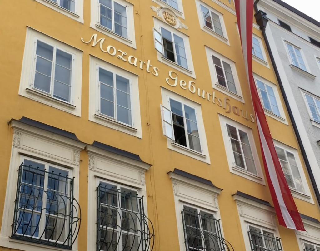 Front view of Mozarts Geburtshaus, Salzburg, Austria